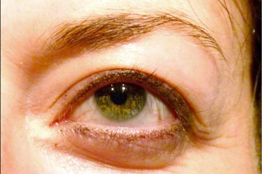 Wie male ich ein Auge in Aquarell - Auge des Modells (c) Frank Koebsch