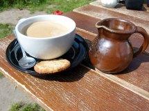 Ausspannen bei der Malreise im Kloster Cafe (c) Frank Koebsch (1)