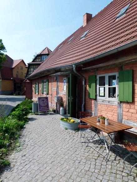Ausspannen bei der Malreise im Kloster Cafe (c) Frank Koebsch (3)