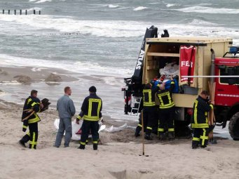Feuerwehr am Strand von Zingst (c) Frank Koebsch (2)