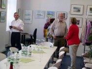 Besucher der Ausstellung von Frank Koebsch im KIZ Schwerin (6)