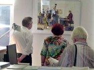 Besucher der Ausstellung von Frank Koebsch im KIZ Schwerin (7)