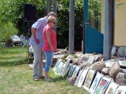 Ein Kommen und Gehen von Besuchern bei den Aquarellen von FRank Koebsch (4)