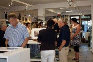 Besucheranstrum in der Ausstellung Faszination Galopper (c) Karina Sturm