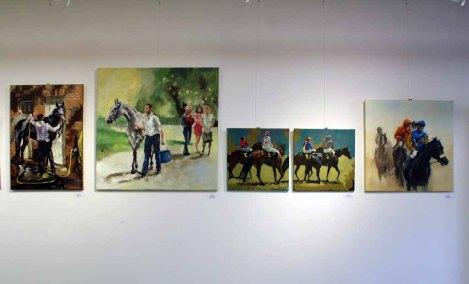 Bilder von Maike Josupeit in der Ausstellung Faszination Galopper (c) Karina Sturm (2)