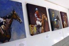 Bilder von Maike Josupeit in der Ausstellung Faszination Galopper (c) Karina Sturm
