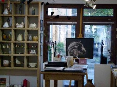 Die Ausstellung Faszination Galopper in der Galerie Severina (c) Frank Koebsch