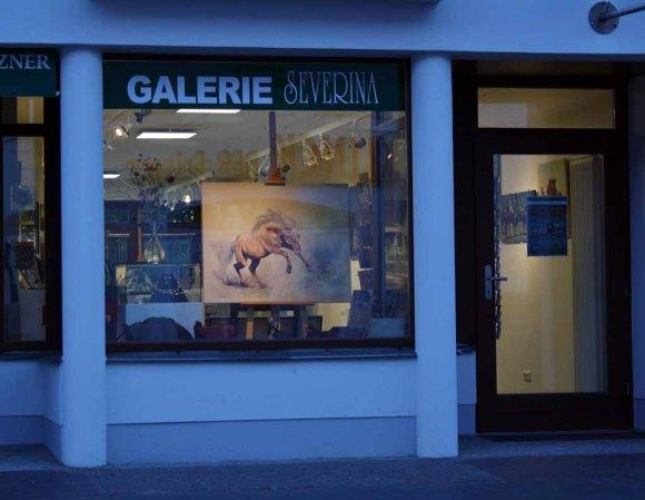 Die Ausstellung Faszination Galopper in der Galerie Severina (c) Karina Sturm
