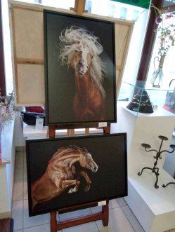 Fotos von Wiebke Haas in der Ausstellung Faszination Galopper (c) FRank Koebsch