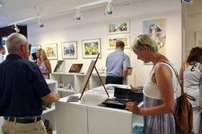 Gäste in der Ausstellung Faszination Galopper (c) Karina Sturm (4)
