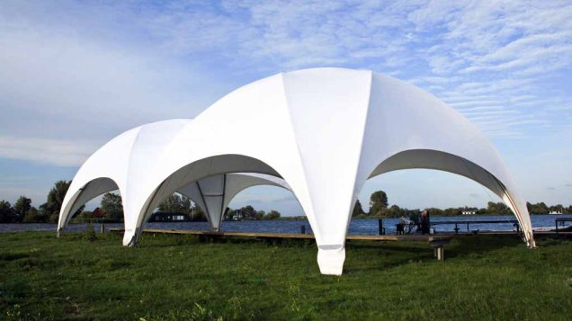 CREATIVE STRUCTURES – das Zelt für unsere Ausstellung Faszination Galopper der Firma Kentzler GmbH - Lebens(t)rau ( (2)