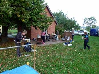 Aquarellkurs im Garten des Ostsee Landhauses Zweedorf (c) FRank Koebsch (1)