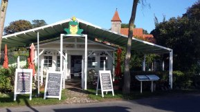 Cafe Froschkönig in Middelhagen (c) Frank Koebsch