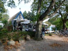 Die Sommergalerie - Touristennepp auf Hiddensee (c) Frank Koebsch (1)