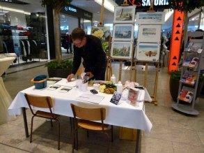 Frank Koebsch bei den Vorbereitungen für seine Aquarellemalerei im KTC im Rahmen der regio polis