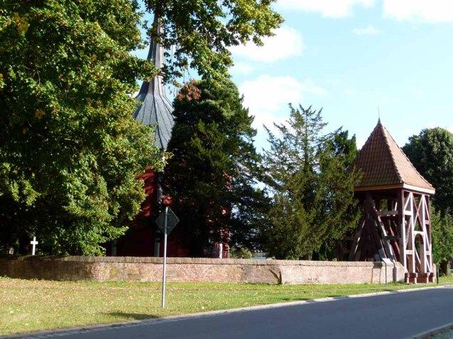 Glockenturm der Schlosskapelle Griebenow (c) Frank Koebsch