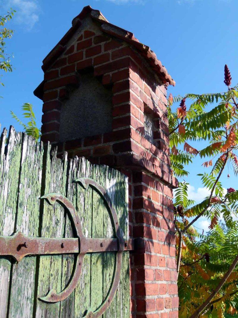 Herbstsonne auf den Toren im Park von Griebenow (c) Frank Koebsch (2)