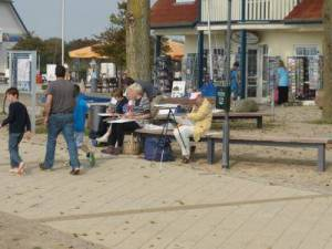 Malschülernim Hafen Rerik (c) Gerda Brüggemann