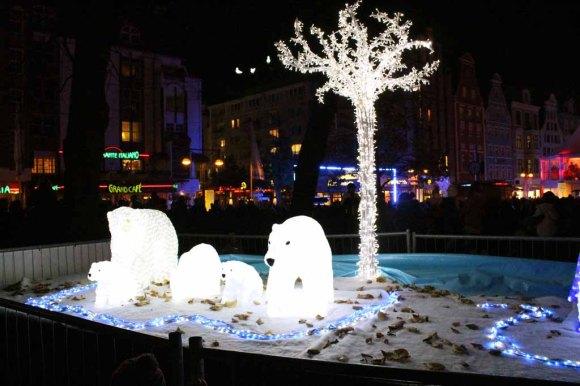 Eisbären als Lichtinstalltion (c) Frank Koebsch (1)