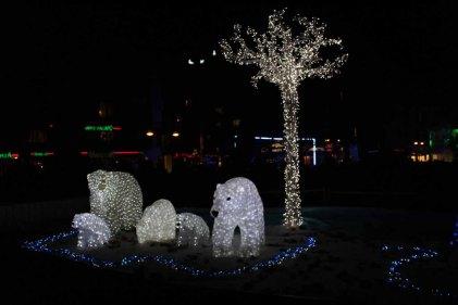 Eisbären als Lichtinstalltion (c) Frank Koebsch (2)