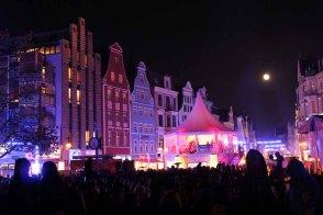 Warten auf die Lasershow der Rostocker Lichtwoche (c) Frank Koebsch (2)