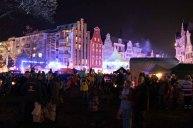 Warten auf die Lasershow der Rostocker Lichtwoche (c) Frank Koebsch