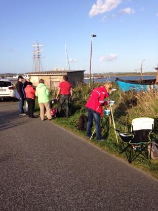 Zuschauer mein Malen im Hafen von Gager (c) Birgitt Bartelt (3)