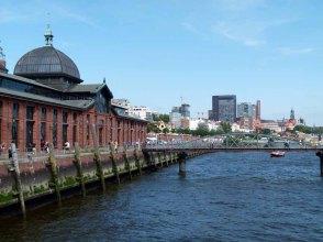 Die Hafenfähren bei den Landungsbrücken sind lohnende Motive (c) Frank Koebsch (2)