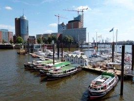 Hamburg - maritimes Flair und moderne Architektur (c) Frank Koebsch