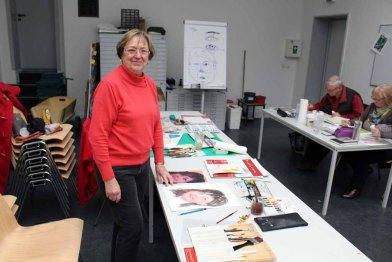 Mit recht stolz auf das Geschafte im Portraitkurs (c) Frank Koebsch
