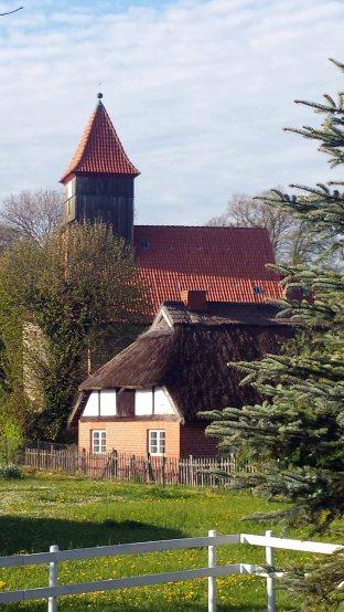 Kirche von Middelhagen (c) Frank Koebsch