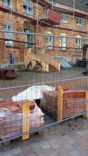 Reparaturarbeiten am Krummen Haus in Bützow (c) Frank Koebsch
