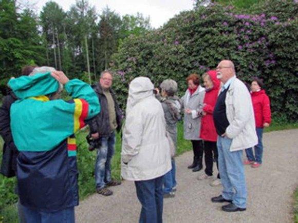 Frank Koebsch und Malschüler im Park Wiligtrad (c) Cornelia Pirl