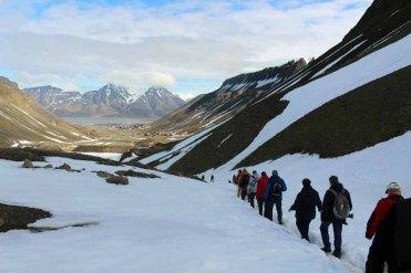 Gletscherwanderung bei Longyearbyen auf Spitzbergen (c) Frank Koebsch