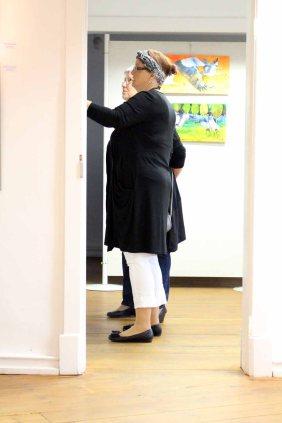 Interessierte Besucher in unserer Ausstellung im Krummen Haus Bützow (c) Frank Koebsch (3)