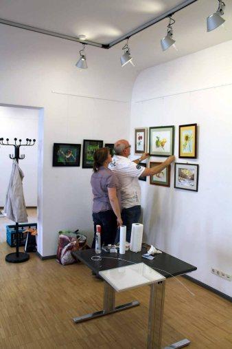Hängen der Ausstellung Faszination Aquarelle (c) Frank Koebsch (1)