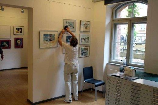 Hängen der Ausstellung Faszination Aquarelle (c) Frank Koebsch (2)