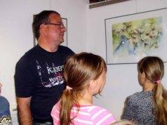 Kinder entdecken mit Frank Koebsch die Ausstellung (c) Sabine Prescher (3)