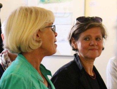 Oberbürgermeisterin Gramkow und Frau Schulz eröffnen die Ausstellung Faszination Aquarell 2015 (c) Frank Koebsch (2)