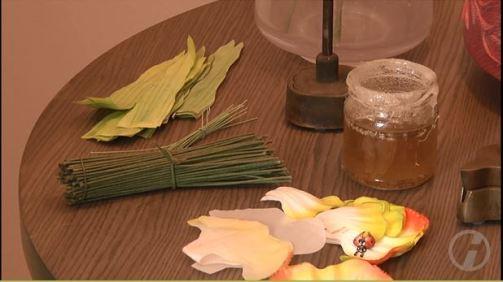 Materialien der manufaktur Deutsche Kunstblume Sebnitz für die Kunstblume Lore (c) DRESDENEINS.TV