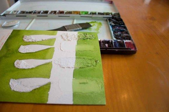 Anlegen des Hintergrundes auf dem Probeblatt mit den Strukturpasten (c) Frank KoebschAnlegen des Hintergrundes auf dem Probeblatt mit den Strukturpasten (c) Frank Koebsch