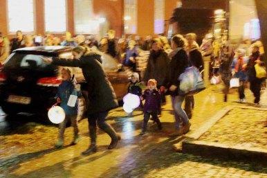 Laterne laufen bei der Rostocker Lichtwoche (c) Frank Koebsch