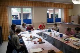 Malen mit Bewohnern der Szialtherapie Gut Adolphshof in Middelhagen (c) Frank Koebsch (1)