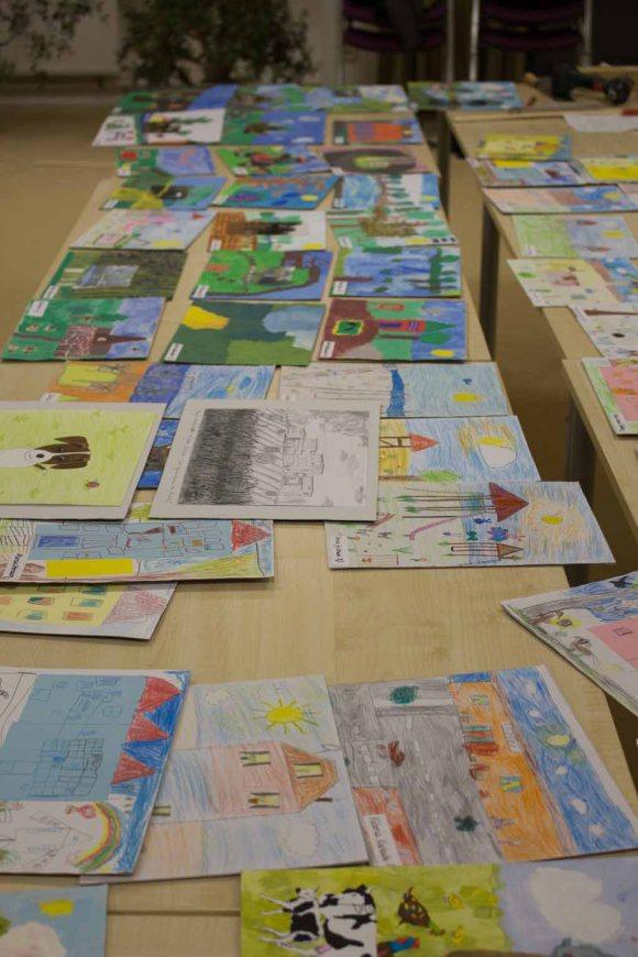 Bilder der Teilnehmer am Wettbewerb - Kinder malen Ihr Dorf (c) Frank Koebsch