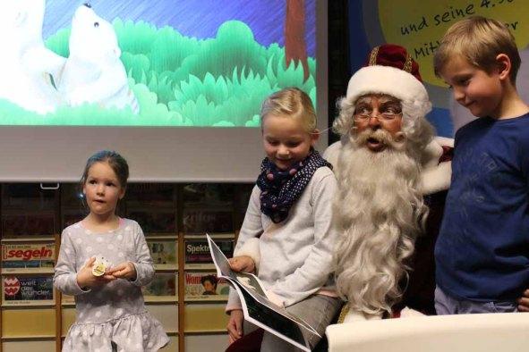Der Weihnachtsmann bei der Lesung - Fiete der Abenteurer (c) Frank Koebsch
