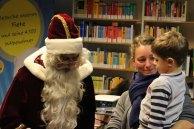 Der Weihnachtsmann in der Stadtbibliothek (c) Frank Koebsch (1)