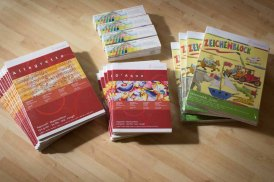 Preise von Hahnemühle für den Malwettbewerb - Mein Dorf (c) Frank Koebsch