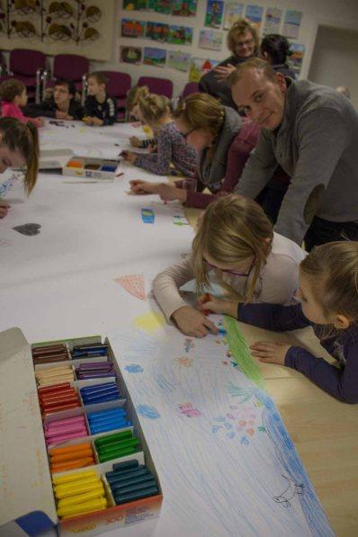 Kinder beim Malen in Groß Lüsewitz (c) Frank Koebsch (4)