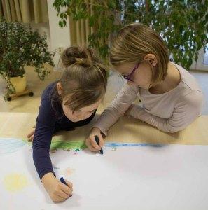 Kinder beim Malen in Groß Lüsewitz (c) Frank Koebsch (6)