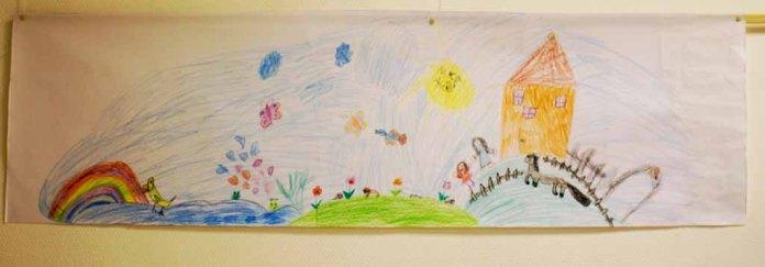 Kinder malen ihr Dorf in Groß Lüsewittz (c) Frank Koebsch (6)